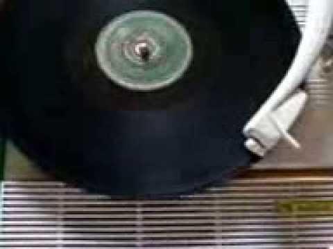 Sanremo 1954 sotto l 39 ombrello g latilla duo fasano mp4 for Angelini arredamenti fasano