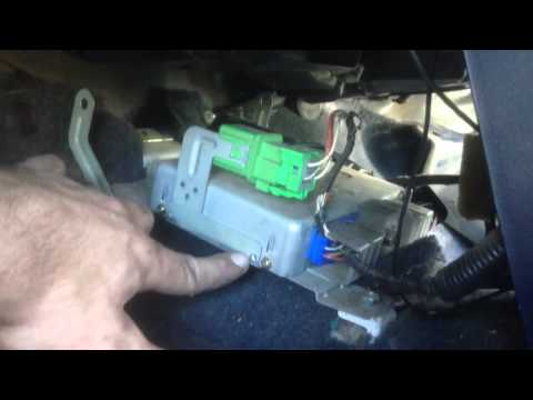 94 nissan sentra ecu location