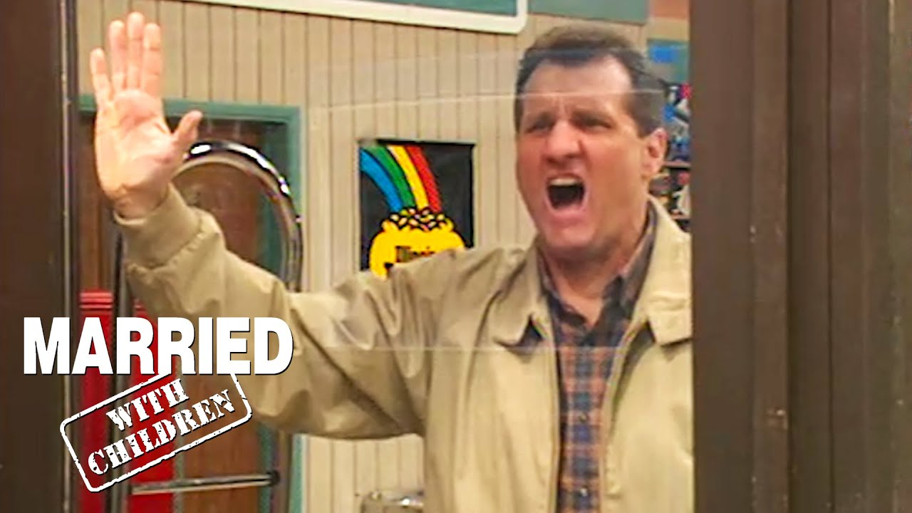 Al Gets Trapped In The Store   Married With Children