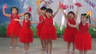 Dona múa Bông Hồng Tặng Cô