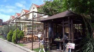 """Гостиница и кафе """"Бриз"""" на улице Калараша в Лазаревском. Сегодня мы здесь отмечаем День Победы!"""