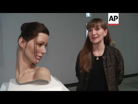 It's alive! Lifelike human sculptures invade art museum