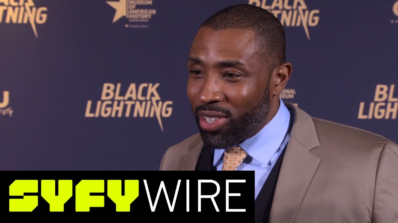 Black Lightning S Imitation Of The Super Friends Announcer Is Amazing Syfy Wire Youtube