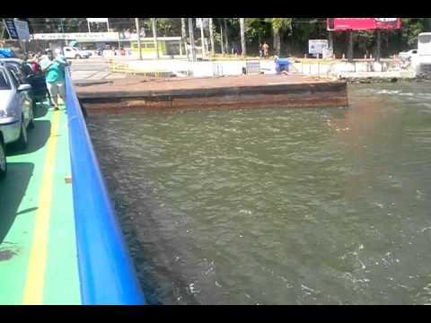 Travessia de balsa (ferry boat) em Santa Catarina