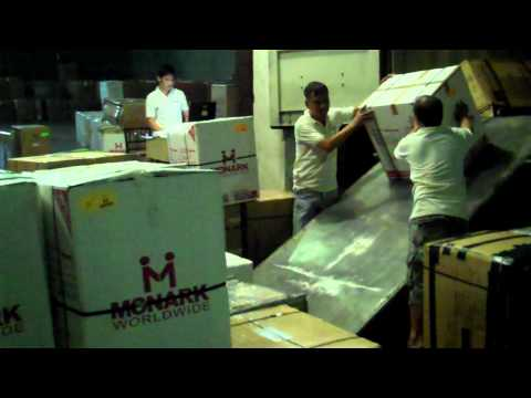 balikbayan-box-container-devanning.mp4