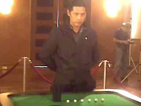 The Ultimatum 双子星  Li Nanxing 李南星 as God of Gamblers! Rare and very funny bloopers!