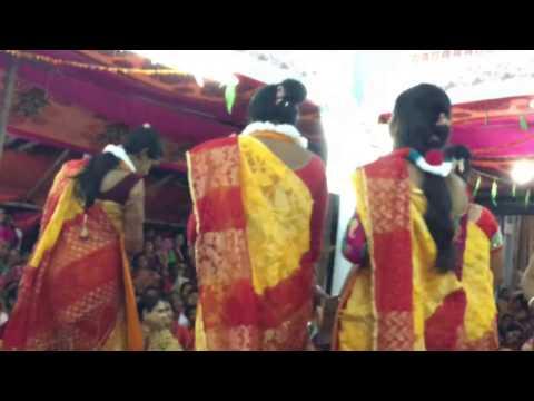 krishna bhajan Osto Sakhi Hare Krishna Hare Rama - Part 2