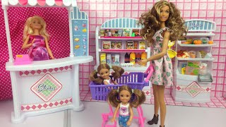 Barbie videos - Barbie shopping with Chelsea twins - Barbie chelsea runs away- brown Barbie