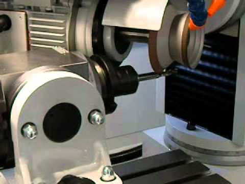 UTMA LC35eCNC Sharpening 3 flute CNC compression routerbit.wmv