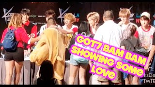 Download Video GOT7 HI-TOUCH AT KCON LA (I LOVE BAM BAM) MP3 3GP MP4