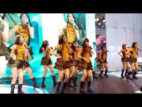 JKT48 - Seishun no laptime (Laptime Masa Remaja) Live at GIIAS 14 August 2016