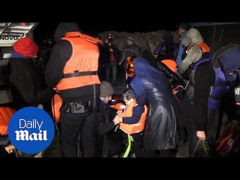 Turkish fishermen rescue 65 Syrian refugees in Aegean Sea - Daily Mail