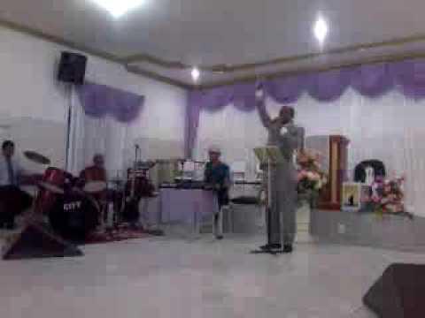 Pregando em Irecê na Assembleia de Deus Segui a Paz