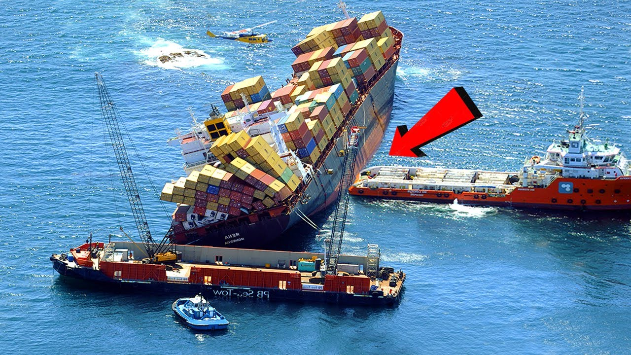 Top 10 Extremely Dangerous Insane Big Ships Crashing & Fails Compilation !