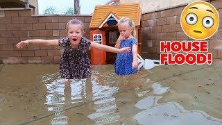 SCARY HOUSE FLOOD! 😱