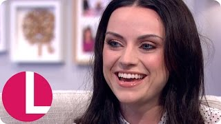 Amy Macdonald Gets Her Tour Bus Searched by Dan! | Lorraine