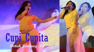 Video Kostum Cupi Cupita Melorot Saat Perform Diatas Panggung download MP3, 3GP, MP4, WEBM, AVI, FLV September 2018