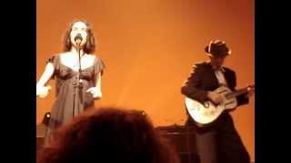 PJ HARVEY - Leaving California (live @ AB, Brussels 2009)