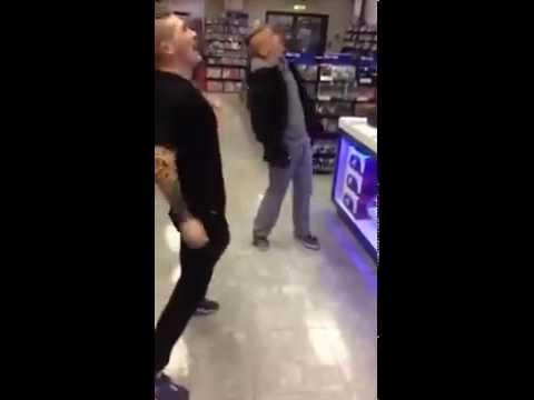 Random Dance In HMV