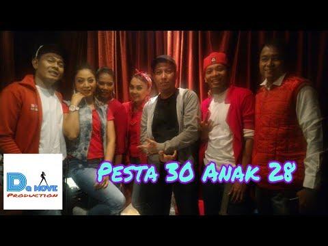 Pesta30 Anak28 Fakultas Hukum Trisakti di Music Room Hotel Borobudur Jakarta. Keep dancing guys