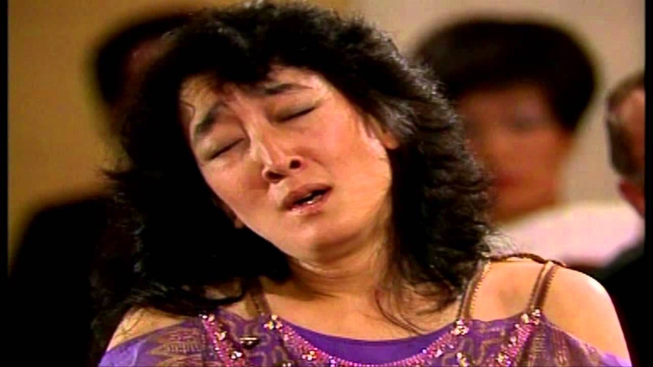 Mitsuko Uchida - W.A. Mozart Piano Concerto No.9 in E flat Major K. 271