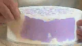 Stenciling the Side of a Fondant Cake