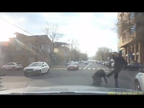 Բրաբուսի վարորդը վթարից հետո տաքսու վարորդին գցել է գետնին ու ծեծել