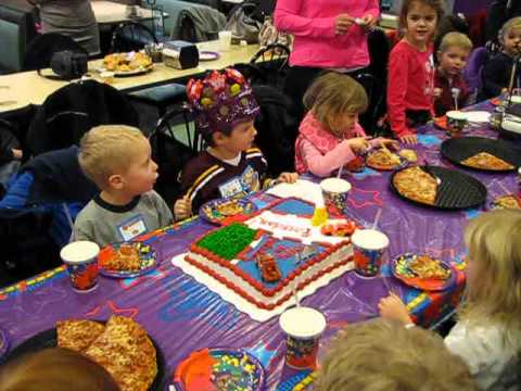 Brendans 4th birthday party Happy Birthday song at Chuck E Cheese