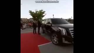 Lee Jong Suk x Han Hyo Joo - JongJoo Couple Moment In The Red Carpet