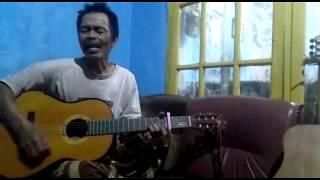 paman ku memiliki suara emas, membawakan lagu [IKLIM BUKAN AKU TAK CINTA] cover [ECIN MULYADI]