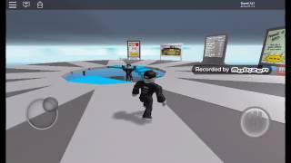 Rix che gioca a survaivol su roblox
