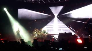 Queen + Adam Lambert - Tie Your Mother Down (Stockholm 2017)
