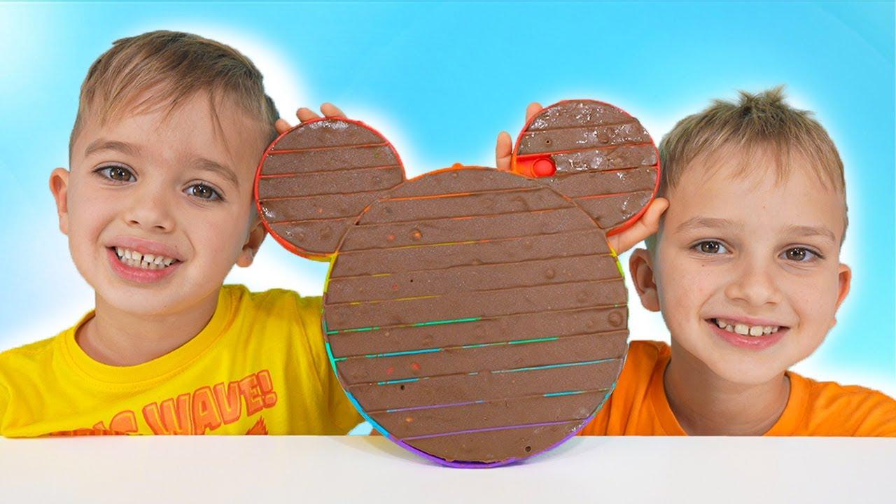 니키가 놀고 초콜릿 터뜨리기 - 재미있는 아이들 비디오