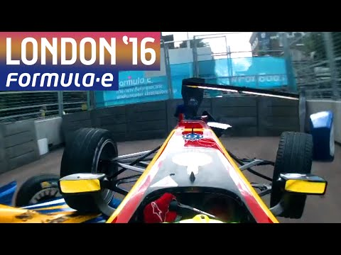 Sebastien Buemi and Lucas di Grassi Crash! - Formula E
