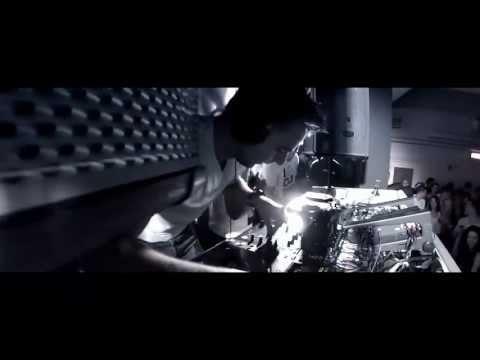 Hardwell vs Showtek - Never Say Slow Down (DJ Fenly Mashup)