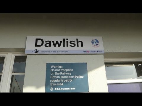 The new Dawlish sea defences tested. 18/04/2015