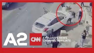 Palestinezët i gjuajnë me gurë, shoferi hebre i përplas me makinë