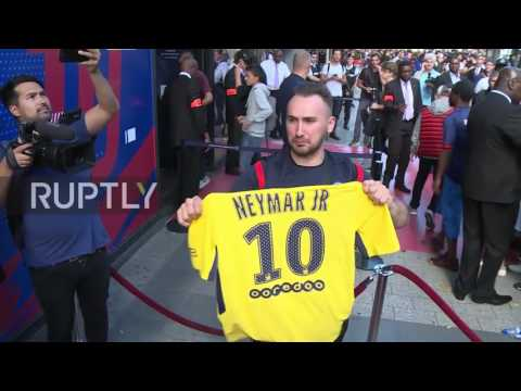 France: Fans flock to snap up Neymar PSG jersey after world record €222m transfer
