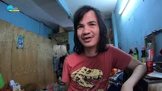 Chàng trai đẹp như tài tử bị Tâm Thần nhưng biết làm kiếm tiền, sống trong căn nhà đầy rác