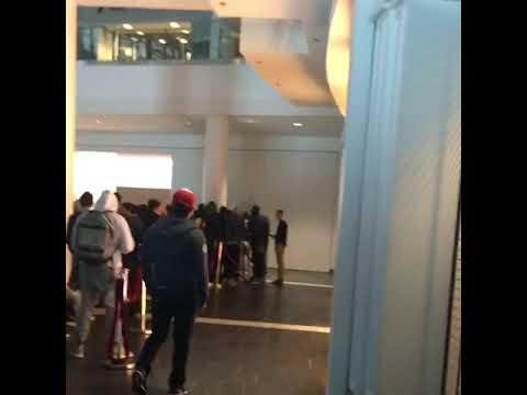 iPhone X Line at Pentagon City Mall- Virginia/WASHINGTON DC!!