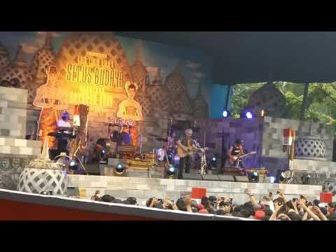 Iwan Fals - Rubah (Konser Situs Budaya -Jawa Tengah)