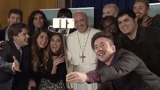 Francisco pidió a youtubers