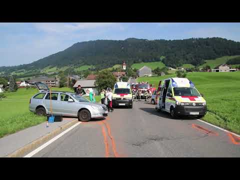 drei-verletzte-nach-schwerem-verkehrsunfall-in-krumbach