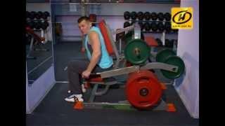 Советы тренера: качаем грудные мышцы, видео(НАШЕ УТРО Тренер подскажет как правильно качать грудные мышцы., 2013-04-12T11:00:15.000Z)