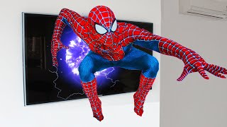 SPIDER-MAN APPEARED FROM TV TO REAL LIFE! KIDS VIDEO