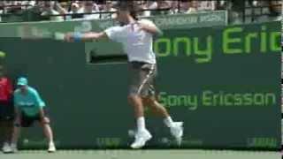 フェデラー ジョコビッチとの試合でミスショットにカッとなりラケットを叩き折る thumbnail