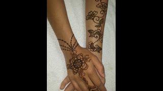 Doing henna Thumbnail