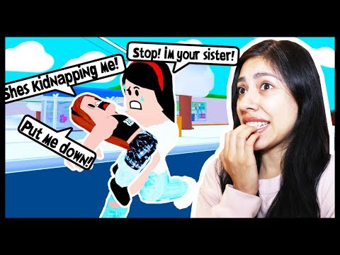 MY LITTLE SISTER RAN AWAY FROM HOME & NOW SHES SLEEPING ON THE STREET! - Roblox Roleplay