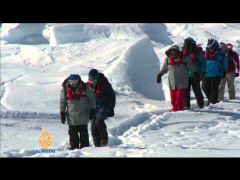 Chinese rescue icebreaker stuck in Antarctic ice