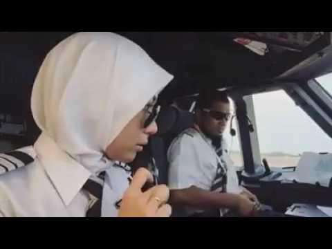 Kapten shaha ( kapten pantun ) & kapten fara...air asia